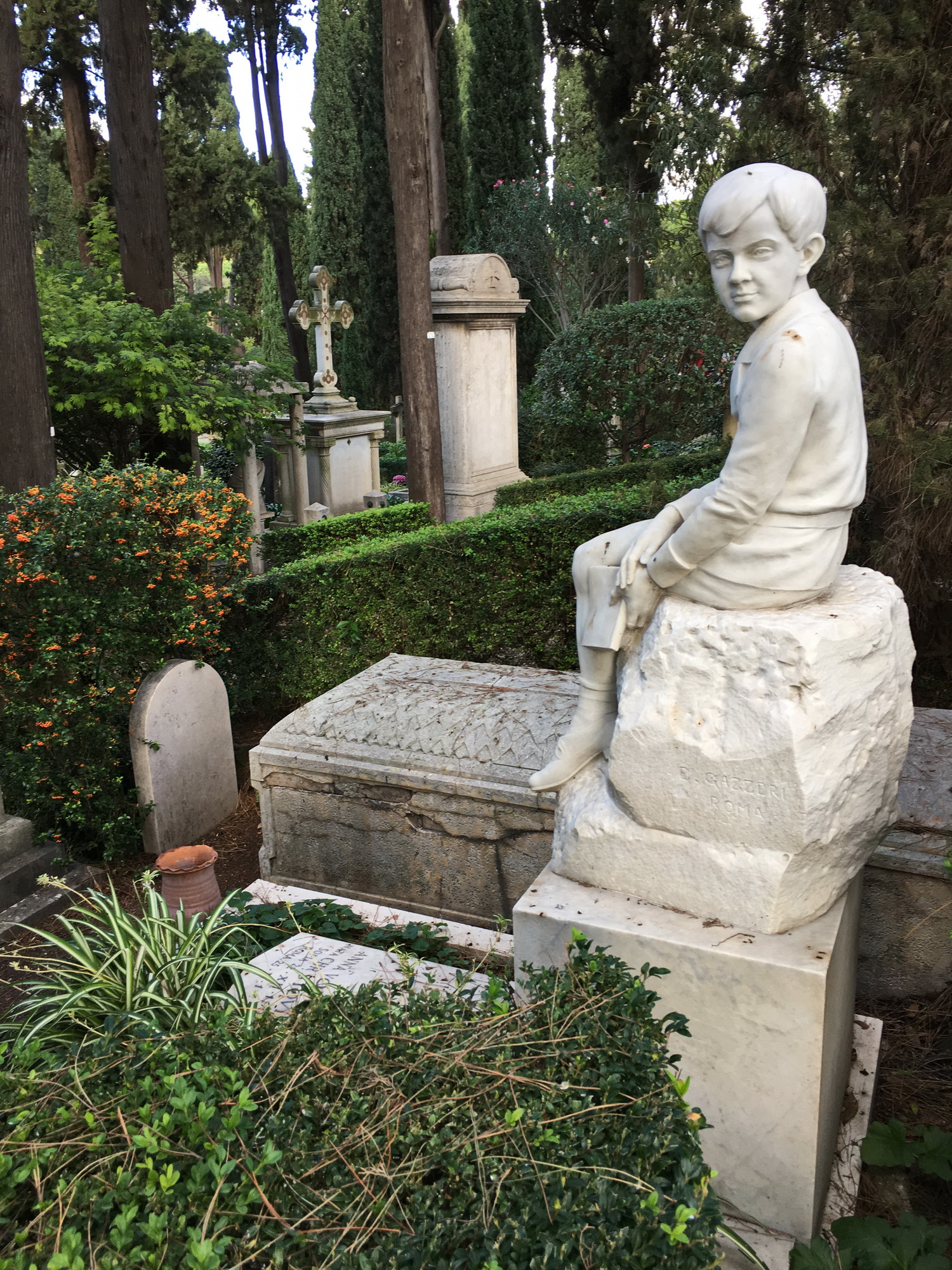 Boy sculpture in Rome's protestant cemetery